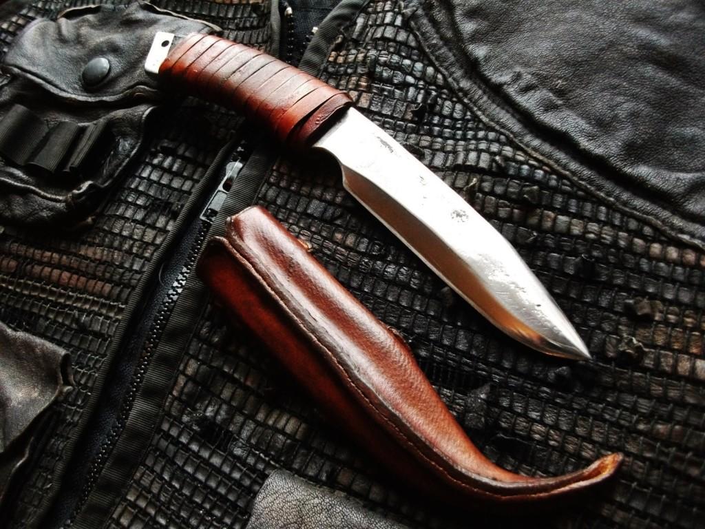 Lone Wolf knife